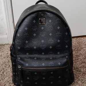MCM stark medium backpack in Visetos